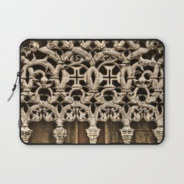 Gothic tracery at Batalha, Portugal, with the Knights Templar cross Laptop Sleeve