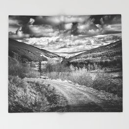 Woodland Valley Throw Blanket