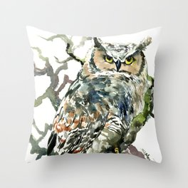 Great Horned Owl in Woods, woodland owl Throw Pillow