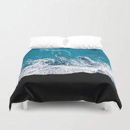 Black sand beach with waves and blue Ocean in Iceland – Minimal Photography Duvet Cover