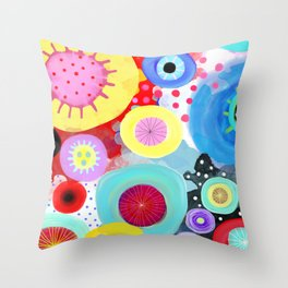 I know you are strong Throw Pillow