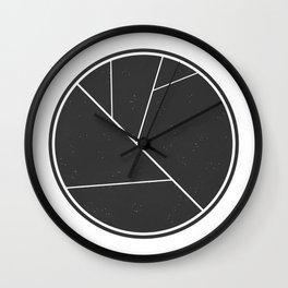 Circle Leaf Wall Clock