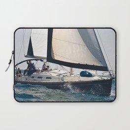 Pleasure of sailing Laptop Sleeve