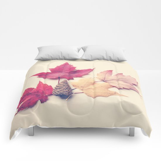 Red Maple Leaf Collection Comforters