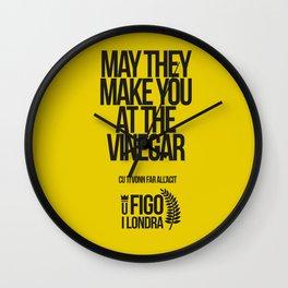 CU TI VONN FARE ALL'ACITO Wall Clock