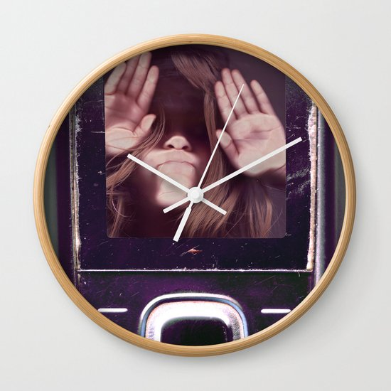 Help! get me out of here..........V3 Wall Clock