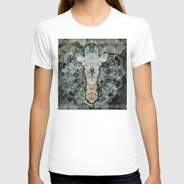 The Giraffe. T-shirt