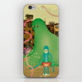 LuCCA è AbiTAtA dai MostRi iPhone Skin
