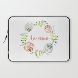 'I Love You' in Spanish - Floral Wreath Laptop Sleeve