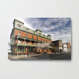 Flemington Main Strret with the Historic Union Hotel Metal Print