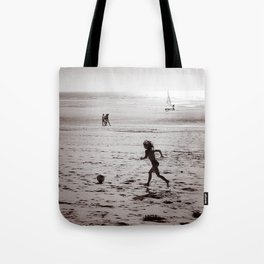 Foot on the beach Tote Bag