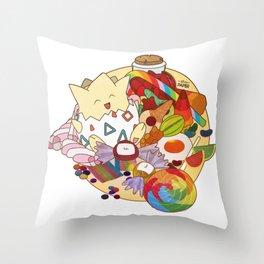 Togepi tra le caramelle Throw Pillow