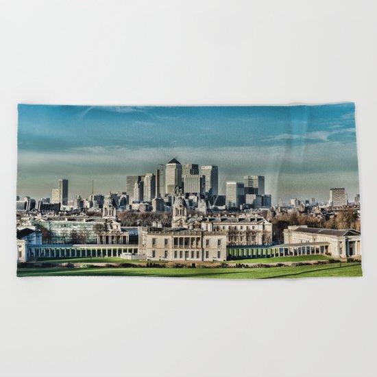London - Canary wharf Towers Beach Towel