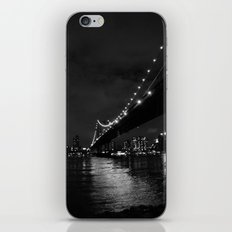 Manhattan Night Black & White iPhone & iPod Skin