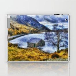 Frozen Lake Ogwen Laptop & iPad Skin