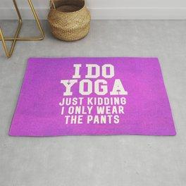 I DO YOGA JUST KIDDING I ONLY WEAR THE PANTS (Vintage Purple) Rug