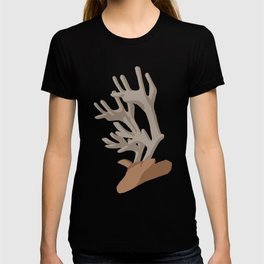 Deer bending with Antlers in brown T-shirt