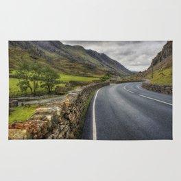 Llanberis Pass Winding Road Rug