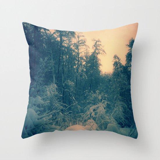 Magic forest 2 Throw Pillow