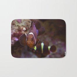 Red queen of the aquarium Bath Mat