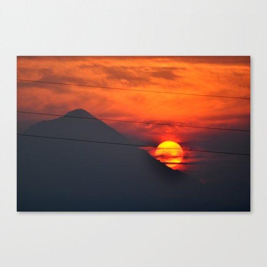 SUNSET OVER MOUNT HOOD Canvas Print