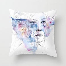 water show Throw Pillow