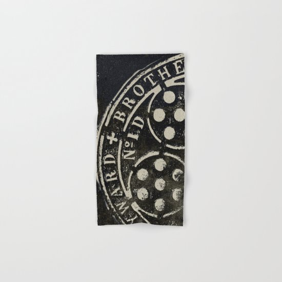 Manhole Cover 2 Hand & Bath Towel