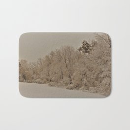 Snowy White with Zeke Filter Bath Mat