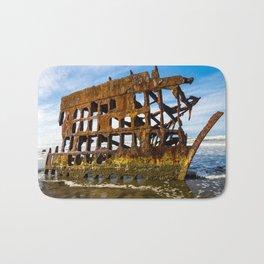 Peter Iredale Shipwreck - Pacific Ocean - Oregon Bath Mat
