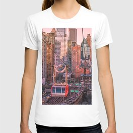 New York City - Skyscrapers and Tram T-shirt
