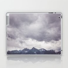 Born to hike Laptop & iPad Skin