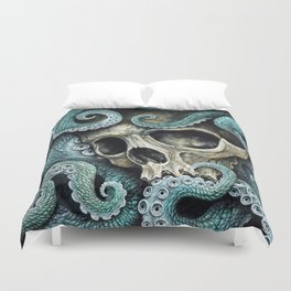 Please my love, don't die so far from the sea... Duvet Cover