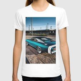 1969 MOPAR Hemi Charger RT in Q5 Turquoise Blue T-shirt