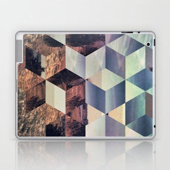 syylvya rrkk Laptop & iPad Skin