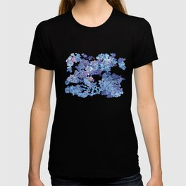Periwinkle Flowers-Floral Design-Style 3-by Hxlxynxchxle T-shirt