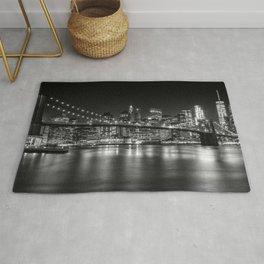 MANHATTAN SKYLINE & BROOKLYN BRIDGE Nightly Impressions | Panoramic Monochrome Rug