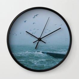 Hey, storm Wall Clock