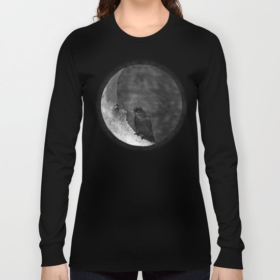 The crow and its moon. Long Sleeve T-shirt