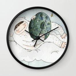 monstre à l'oeuf Wall Clock