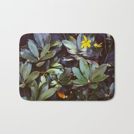 Leafy Leaves Bath Mat