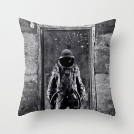 The man from earth Throw Pillow