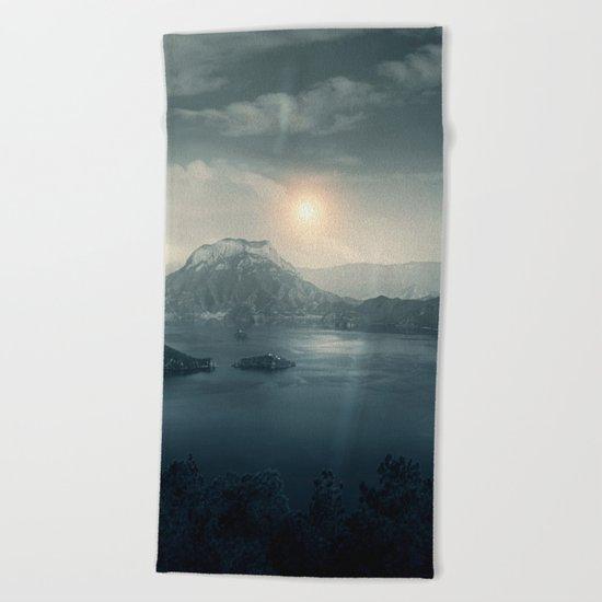 Silent sunset Beach Towel