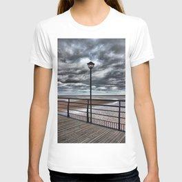 Cleethorpes Pier Lamp T-shirt