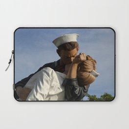 Kissing Sailor And Nurse Portrait Laptop Sleeve