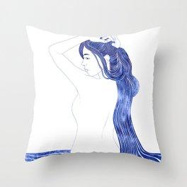 Amphithoe Throw Pillow