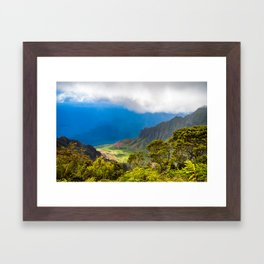 Kalalau lookout in Koke'e State Park - Kauai, Hawaii Framed Art Print