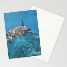 Turtle swimming through the reef Stationery Cards
