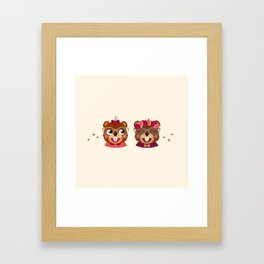 Jumelles castor Framed Art Print