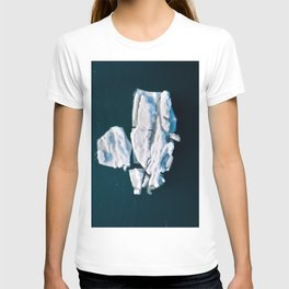 Lone, minimalist Iceberg from above - Landscape Photography T-shirt
