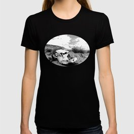 Desert Skull in Black and White Photography T-shirt